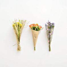 3 DIY ways to wrap a mini bouquet
