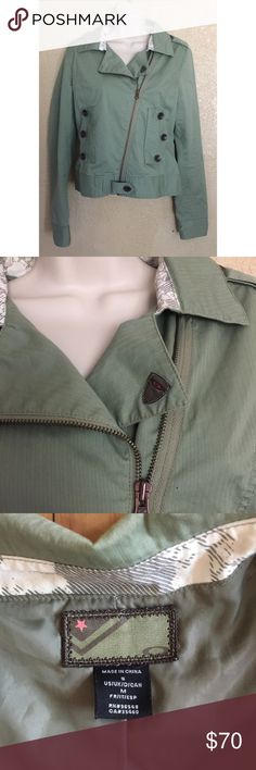 Zip Up Collared Green Jacket Condition: No defects. Size: M Jackets & Coats