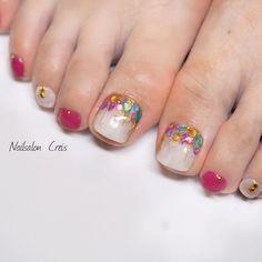 Instagram→creis_nail #新宿#新宿三丁目#東新宿#新宿御苑#新宿ネイル#新宿ネイルサロン#プライベートネイル#フット #お客様#シェルストーン#シェル #ピンク#フット#夏ネイル #NailsalonCreis #ネイルブック Gel Pedicure, Pedicure Designs, Gel Nail Designs, Cute Toe Nails, Toe Nail Art, Gell Nails, Fall Nail Colors, Nail Jewels, Summer Nails