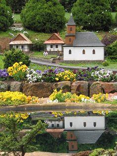 Cockington Greens Garden - miniature villages..  just lovely.
