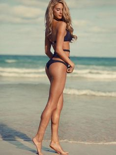 come summer I'm going to be this blonde, fit and tan!!