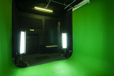 Studio 3 is an green screen film studio with a 'U' shaped cyc wall available for hire in London. Video Studio, Film Studio, Smart Office, Screen Film, Chroma Key, Art Studios, Filmmaking, Photography Tips, Mirror