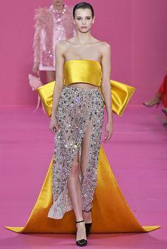 Best Fall Fashion Trends For Women - Fashion Trends Runway Fashion, High Fashion, Fashion Show, Fashion Design, Punk Fashion, Lolita Fashion, Haute Couture Dresses, Haute Couture Fashion, Georges Hobeika