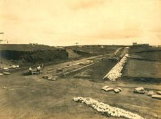Avenida Pompéia (05/01/1922) - Obras de abertura e pavimentação da Avenida Pompéia, no bairro da Pompéia, vista tomada da esquina com a Rua Ministro Ferreira Alves em direção à Avenida Prof. Alfonso Bovero.