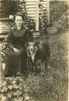Vintage photo, seated woman with the family dog on the farm, Parrotsville, Tennesse, 1928 Antique Pictures, Vintage Photos, English Shepherd, Shepherd Dogs, Scotch Collie, Old Time Photos, Celebrity Dogs, Human Oddities, Me And My Dog