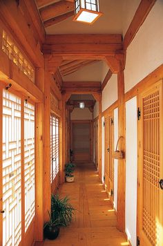 Asian Interior Design, Home Landscaping, Asian Decor, Architecture Old, Japanese House, Modern Luxury, Sustainable Design, Traditional House, Interior Design Living Room