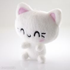 Meet Nanoneko!  A tiny white kitty who is so excited to see you! --- Aww too cute! <3 <3 <3
