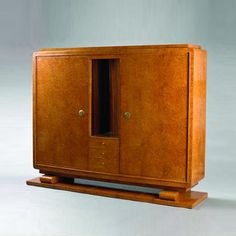Emile-Jacques Ruhlmann, cabinet, Burled amboyna two-door cabinet, stamped FONTAINE PARIS. s58e