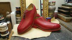 Orthopädischer Maßschuh aus Wien Shoe Recipe, Orthopedic Shoes, Custom Shoes, Vienna, Combat Boots, Shoe Boots, Recipes, Fashion, Chic