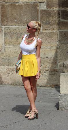 Ioana Carmen, Fashion Blogger from Rumania. Blog: Fashion Spot.ro