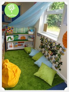 Ahh the reading corner, often the most neglected area of any Key Stage 1 or 2 classroom. But this area has the potential to unlock so many different skills when included in your continuous provision! Reading Corner School, Kindergarten Reading Corner, Reading Corner Classroom, Book Corner Ideas Preschool, Preschool Reading Area, Book Corner Eyfs, Reading Wall, Eyfs Classroom, Toddler Classroom