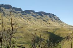 The Great Escarpment is located between South Africa and Lesotho Best Location, Beautiful Places To Visit, Lodges, South Africa, Grand Canyon, Mountains, Travel, Cabins, Viajes