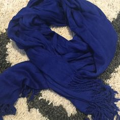 • Blue scarf • Really pretty blue color scarf Other Accessories Scarves & Wraps