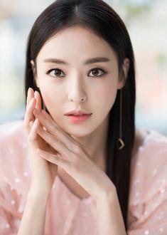 Beautiful Asian Girls, Simply Beautiful, Korean Beauty, Asian Beauty, Beauty Inside, Korean Actresses, Asia Girl, Beauty Full, Pretty Woman