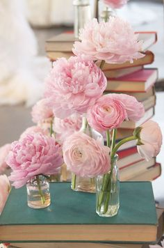 Wedding Flowers, Wedding Décor, Ranunculus, Bouquet, Wedding Centerpieces || Colin Cowie Weddings