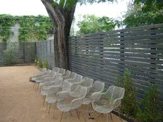 Horizontal fence - nice!  wow i love this. would be really pretty east too ...