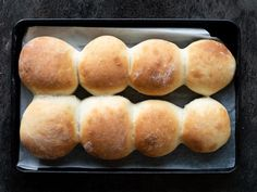 These soft and fluffy Thermomix Bread Rolls are so easy to make and taste amazing straight from the oven. Pain Thermomix, Thermomix Bread, Bread Bun, Bread Rolls, Vegan Recipes Easy, Great Recipes, Savoury Baking, Tray Bakes, Food Hacks