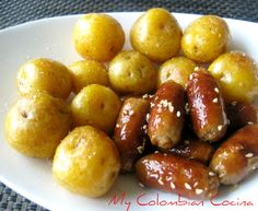 Salchipapas or Sausagues and Potatoes Colombian Cuisine, Vienna Sausage, Cooking For Beginners, Tasty Bites, Appetisers, Foods To Eat, Food Packaging, Food Truck, The Best