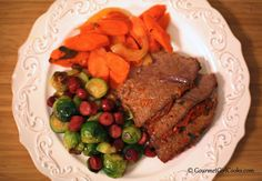 Gourmet Girl Cooks: Simple Slow Cooker Pot Roast - Easy Low Carb