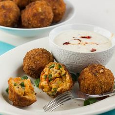Fried Crawfish Etouffee Balls with Chipotle Ranch Dip. Crispy on the outside like a hush puppy and spicy on the inside. Crawfish Recipes, Cajun Recipes, Seafood Recipes, Appetizer Recipes, Cooking Recipes, Appetizers, Haitian Recipes, Seafood Meals, Bon Appetit