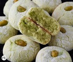 Arabic Recipes 66694 It's my batch!: The soft pistachio amaretti Desserts With Biscuits, Cookie Desserts, Cookie Recipes, Dessert Recipes, Biscuit Cookies, No Bake Cookies, Cake Cookies, Galletas Amaretti, Gula