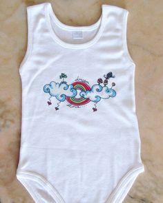 Body bianco bambini baby abbigliamento fatto a mano nuvole arcobaleno di BabyBabyBonBon su Etsy