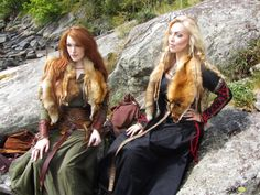 Bjørgvin Viking Faire- the kirtle on the right doesn't look period, but the rest…