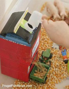 Farm Sensory Play Activity for Preschoolers - Frugal Fun For Boys and Girls Farm Sensory Play Activity for Preschoolers Farm Sensory Bin, Sensory Bins, Sensory Play, Sensory Table, Farm Activities, Preschool Themes, Preschool Activities, Preschool Farm Crafts, Winter Activities