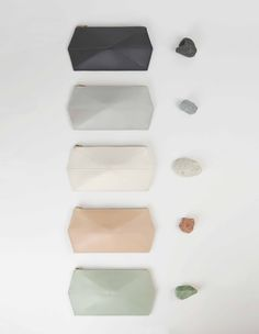 Read about the things that have driven Zand-erover to the deliberately simple and nature-inspired style. Modern Color Palette, Blue Colour Palette, Neutral Palette, Sustainable Fashion, Sustainable Style, Color Pallets, Love And Light, Minimalist Design, Color Inspiration