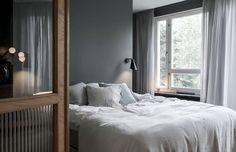 walk in closet vestidor oscuro estilo escandinavo dormitorio oscuro dormitorio nórdico diseño dormitorios con vestidor decoración interiores blog decoración nórdica