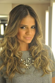 {Thassia Naves} her hair!