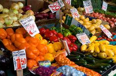 Want to Save Water? Start Where You Eat: Top 3 Ways To Save Water Through Food Choices Ways To Save Water, Vegetable Stand, Steam Veggies, Food Substitutions, World Water Day, Green Tips, Food Waste, Healthy Mind, Food Hacks