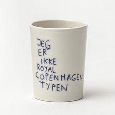 Julegaver til under 300 kroner Ceramic Tableware, Ceramic Cups, Ceramic Pottery, Royal Copenhagen, Eco Design, Boho Diy, Scandinavian Design, Diy Art, Glass Art