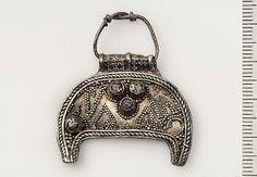 Viking age / Lunula silver pendant / Uppland
