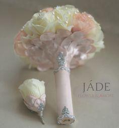 Ékszercsokor rózsaszín és törtfehér színekben, púder rózsaszín és ezüst szárral #ékszercsokor #blushpink #silver #everbouquet #örökcsokor Girls Dresses, Flower Girl Dresses, Wedding Dresses, Flowers, Handmade, Fashion, Dresses Of Girls, Bride Dresses, Moda