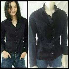 ✂Last Call 🆑Banana Republic button down My flash keeps making this look faded, it is not. Black and fitted with stretch. 98% cotton, 2% spandex. Buttons do not go all the way up. Stop right above bust to create a more sexy look  Lowest price unless bundled NO Offers Banana Republic Tops Button Down Shirts