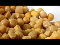 GARBANZOS AL PESTO - Cómo me Sano - YouTube Cilantro, Vegan, Fruit, Videos, Food, Youtube, Chickpeas, Juices, Foods