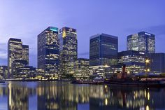 Low Autumn Sun at Canary Wharf by Samuel Ashby on 500px