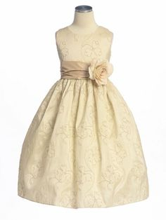 flower girl - white dress with a red sash and a white flower would look fab