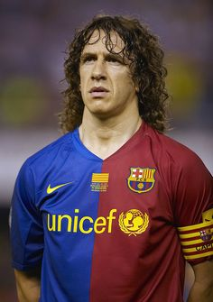 VALENCIA, SPAIN - MAY Carles Puyol of Barcelona looks on before the Copa del Rey final match between Barcelona and Athletic Bilbao at the Mestalla stadium on May 2009 in Valencia, Spain. Barcelona won (Photo by Manuel Queimadelos Alonso/Getty Images) Barcelona Champions League, Barcelona Players, Barcelona Football, Legends Football, Sport Football, Soccer Sports, Nike Soccer, Soccer Cleats, Cristiano Ronaldo Lionel Messi