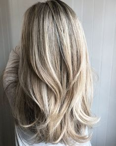 50 Best Layered Haircuts and Hairstyles for 2020 - Hair Adviser - - Layered hair is a top choice in Having trouble finding a perfect cut for you? We've got a really good list of layered hairstyles for women, check out! Hairstyles For Layered Hair, Layered Haircuts For Women, Long Hair Haircuts, Pixie Haircuts, Wedding Hairstyles, Long Layered Haircuts Straight, Straight Hairstyles For Long Hair, Cute Long Haircuts, Medium Long Haircuts