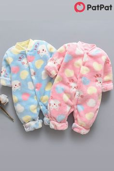 Don't know how to dress your baby? PatPat is your best choice ! Stylish and comfortable~ Your baby should have one~ Baby Clothes Patterns, Baby Doll Clothes, Baby Dolls, Cute Baby Boy, Cute Little Baby, Baby Kids, Baby Baby, Twin Babies, Reborn Babies
