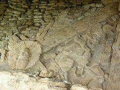 A-BAK' MATEMÁTICA MAYA: TONINÁ, ACTUALIDADES EL MURAL DE LA MUERTE  Es una especie de CÓDICE DE GRANDES DIMENSIONES elaborado en Estuco hace más de 10 siglos, tiene 12 m de ancho por 4 m de altura, y aunque es una OBRA MAYA, su Mensaje está Inyectado por la Esencia de la ERA DEL TOLTECA. En él se ve, se lee, LA LEYENDA DE LOS SOLES COSMOGÓNICOS Y EL ASCENSO DEL INFRAMUNDO A LA TIERRA. Los Personajes y Símbolos ahí representados Conjugan el Estilo Escultórico de la Selva y el Sentimiento…