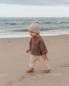 My little best friend. Seriously loving his age right now, he's so much fun and I love watching his little personality form and his bond… Baby Boy Fashion, Fashion Kids, Toddler Fashion, Fashion Fashion, Cute Kids, Cute Babies, Moda Kids, Mama Baby, Baby Family