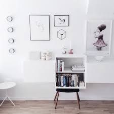 menu pov vægstage - Google-søgning Wall Candle Holders, Home Alone, Scandinavian Style, Home Living Room, Home Projects, Decor Styles, Office Desk, Photo Wall, Interior