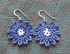PDF version Here's the latest addition to my ever-growing earring collection – Bonny Blue earrings. As always they are super-quick and eas...