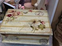 Pic only - altered box Decoupage Furniture, Decoupage Vintage, Decoupage Paper, Recycled Furniture, Mod Podge Crafts, Diy Crafts, Altered Cigar Boxes, Girls Jewelry Box, Pretty Box