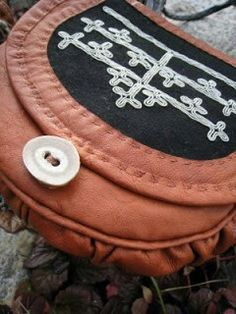 Sons Of Norway, Diy And Crafts, Coin Purse, Wallet, Purses, Handmade, Inspiration, Scandinavian, Spirit