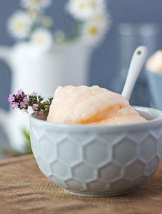 Glasbild Eisbecher mit Feigen Kugeleis Löffel Nachtisch Eiscafé 20 x 20 cm