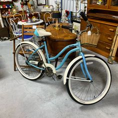 Come check out this perfect Florida beach bike. Just in time for the Florida sunny weather right here at Gannons Antiques Vendor Displays, Sunny Weather, Florida Beaches, Antique Art, Indoor, Bike, Antiques, Check, Vintage